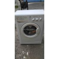 Узкая стиральная машина Indezit Wiul 83 Б/У